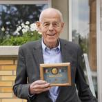 Der Physiker Gerhard Sessler hat das Elektretmikrofon erfunden. Foto: Andreas Kelm