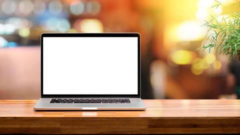 Laptop an und mitmachen: Das Villmarer Kinder- und Jugendparlament lädt zu einer Online-Podiumsdiskussion zur Kommunalwahl ein. Symbolfoto: noreefly/stock.adobe.com