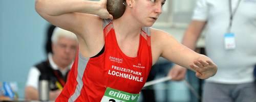 Vanessa Wallisch (TSG Wehrheim) gewinnt beim Hallen-Meeting der LG Eintracht Frankfurt das Kugelstoßen und möchte nun auch an diesem Wochenende bei der Vergabe der Hessen-Medaillen ein Wörtchen mitreden.  Archivfoto: kie