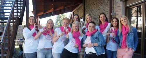 Frisch, fröhlich und motiviert präsentieren sich die zehn Ladies bei ihrer offiziellen Gründungsfeier des ersten Ladies´ Circle Bad Kreunach mit der Circle-Nummer 117. Foto: Sonja Flick
