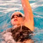 Die Wetzlarerin Helene Weber schwimmt in Stuttgart auf Platz drei.  Foto: Uwe Hermann