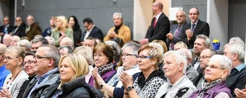 Beifall für die Band: Das Publikum bedachte die jungen Musiker von der Comeniusschule in Herborn mit viel Applaus. Foto: Katrin Weber