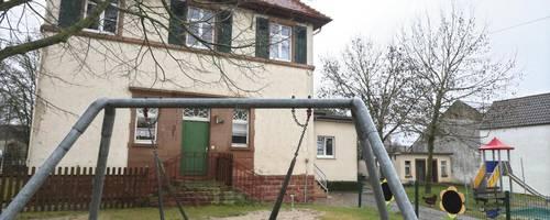 Es wird noch eine Weile dauern, bis der Monzernheimer Kindergarten neue Fenster bekommt. Die beauftragte Firma hatte sich als äußerst unzuverlässig erwiesen. Foto: pa/Andreas Stumpf (Archiv)
