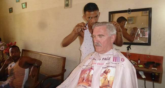 Auf Jeder Reise Beim Friseur Ein Haarschnittjäger Erzählt