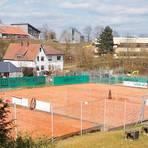 """Die Anlage des Tennisclubs Weilburg """"Auf den hohen Gräben"""" wäre für den Rundenstart im Mai bereit gewesen. Nun geht es - Stand jetzt - erst im Juni los.   Foto: André Bethke"""