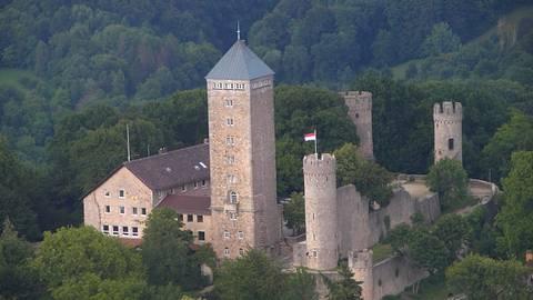 Die Starkenburg mit Jugendherberge. Fotos: Stadt Heppenheim, Thomas Möllmann