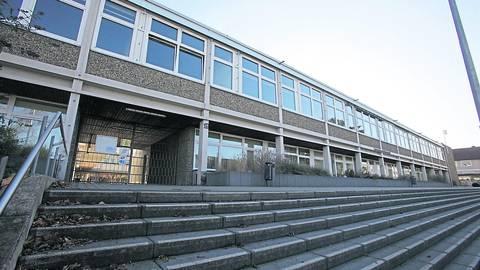 Das Gymnasium am Römerkastell hat den ersten Corona-Fall. Die Zehntklässler erhalten Fernunterricht. Foto: pakalski-press/Axel Schmitz
