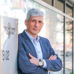 Von der Hightech- und Bildungshochburg Jena an die Lahn: Dr. Thoralf Held ist neuer Uni-Kanzler in Marburg. Foto: Nadine Weigel