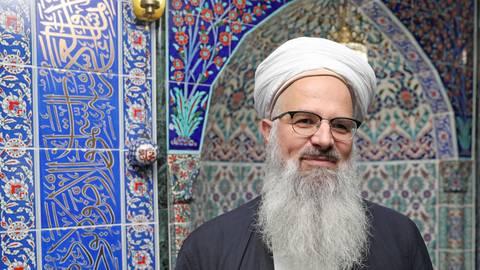 """Imam Husamuddin Meyer ist seit einigen Jahren muslimischer Seelsorger in der Justizvollzugsanstalt Wiesbaden und Ansprechpartner der """"Beratungsstelle Salafismus"""" der Stadt. Archivfoto: René Vigneron"""
