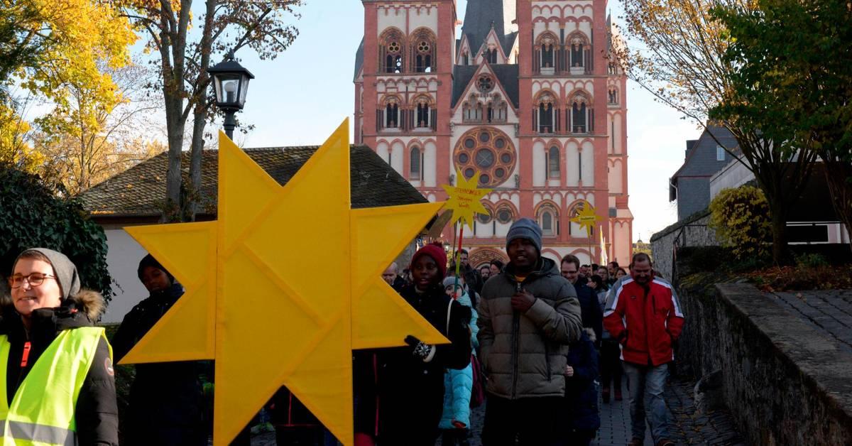 Königliche Friedensstifter ziehen durch Limburg - Mittelhessen