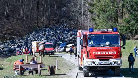 Anfang März musste die Feuerwehr eine verletzte Person aus dem Felsenmeer retten. Die Zahl solcher Einsätze hat sich 2020 verdoppelt. Archivfoto: Dirk Zengel