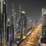 Blick auf die Sheik Zayed Road von der Level 42-Bar in Dubai. Foto: Frank Leber