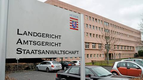 Am Marburger Landgericht läuft derzeit der Prozess wegen eines mutmaßlich versuchten Mordes in Dautphetal.  Symbolfoto: Christian Röder