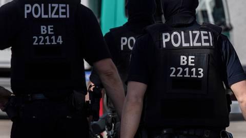 Der mutmaßliche Verfasser von 130 NSU 2.0-Drohmails wurde in Berlin gefasst. Foto: dpa