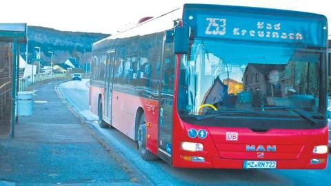 Der Bus in Norheim – ab 2022 sollen die öffentlichen Verkehrsmittel im gesamten Landkreis engmaschiger getaktet sein. Foto: Wolfgang Bartels  Foto: Wolfgang Bartels