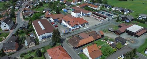 Mehr als 260 Mitarbeiter arbeiten bei Hof Sonderanlagenbau, etwa 60 Prozent von ihnen in Lohra. Foto: Hof