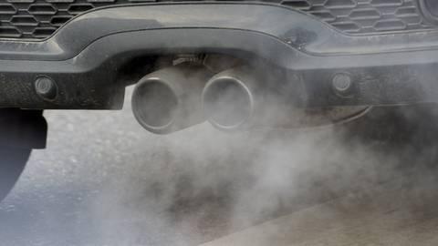 In Gebieten mit stark verschmutzter Luft ist auch die Sterblichkeit bei Covid-19-Erkrankungen höher. Foto: dpa