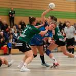 """Alles """"easy"""" bei Handballerin Isabell Faber (M.) von der TSG Leihgestern. Foto: Steffen Bär"""