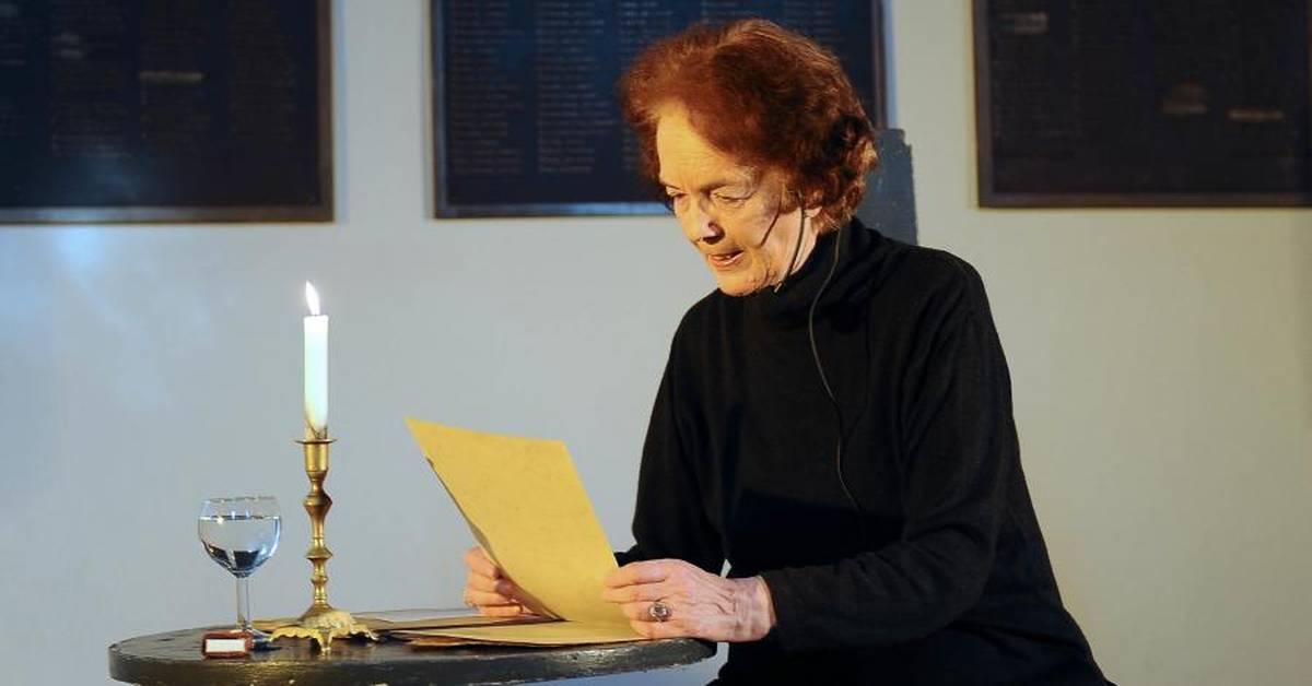 Gefuhlvolle Prasentation Von Werken Der Judischen Autorin Mascha Kaleko In Der Wormser Synagoge
