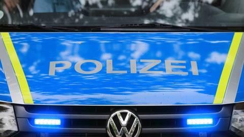 Ein Fahrzeug der Polizei im Einsatz.  Symbolfoto: dpa