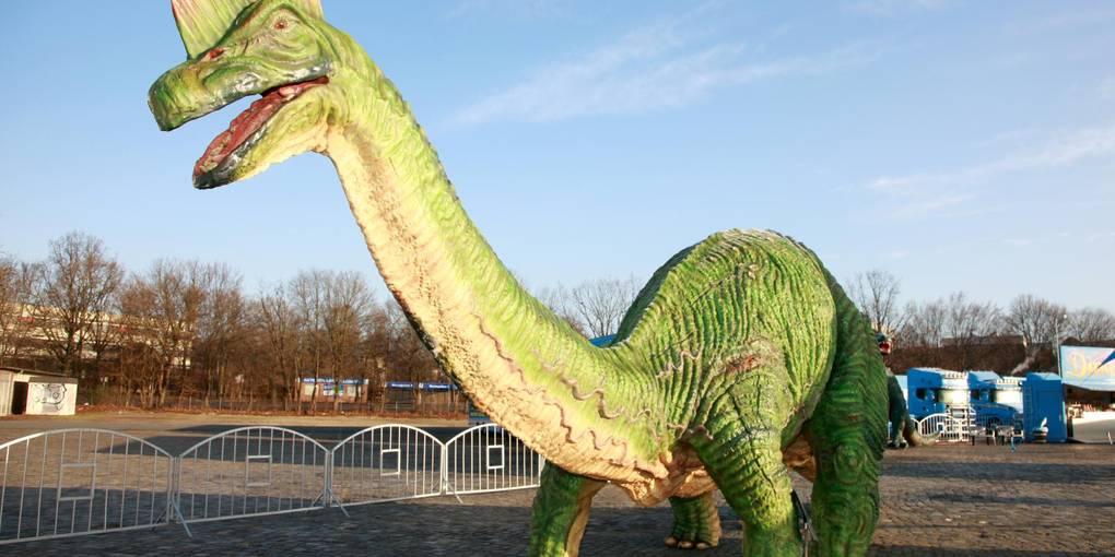 Gleich Zwei Dinosaurier Shows In Wiesbaden