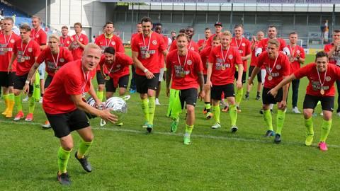 Der vorletzte Titel: Am 25. Mai 2017 benötigte der SVWW ein Elfmeterschießen, um den Hessenligisten Rot-Weiß Hadamar in die Knie zu zwingen. Archivfoto: rscp/René Vigneron