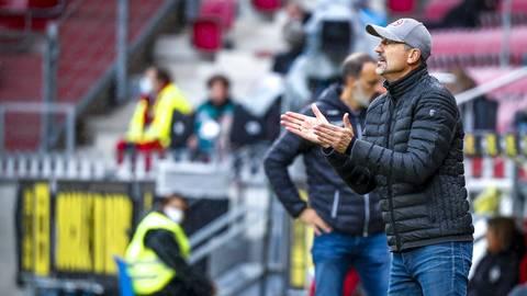 Achim Beierlorzer, hier beim Spiel Mainz 05 gegen VfB Stuttgart. Foto: Lukas Görlach