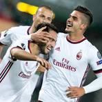Verstärkt künftig die Frankfurter Offensive: André Silva (rechts) vom AC Mailand. Foto: dpa