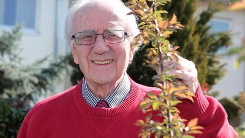Günter Schaaf, der langjährige Kommunalpolitiker und Vorstand der Sozialstation, wird 90 Jahre. Foto: BilderKartell/Axel Schmitz