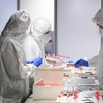 Fortwährend wird an Medikamenten gegen das Coronavirus geforscht. Symbolfoto: Sebastian Kahnert/dpa
