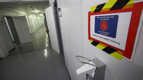 Bleiben vorerst leer: Die Impfzentren in Reinheim (Bild) und Pfungstadt. Der Impfstoff kommt nur spärlich, deshalb geht es mit mobilen Teams los.              Foto: Karl-Heinz Bärtl