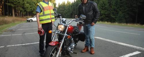 Muss es gleich ein Verbot sein? Auch mehr Kontrollen könnten in den Augen einiger Schmittener den Motorradlärm auf dem Feldberg reduzieren. Archivfoto: Götz