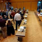 Die Bilder aus der vergangenen und neuen Legislaturperiode ähneln sich: Sitzungsunterbrechung in Homberg.  Foto: Günther Krämer