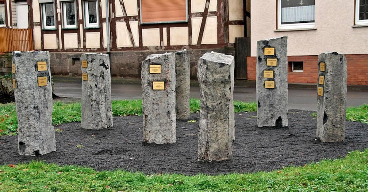 Bildergebnis für allendorf lumda gedenkstelen