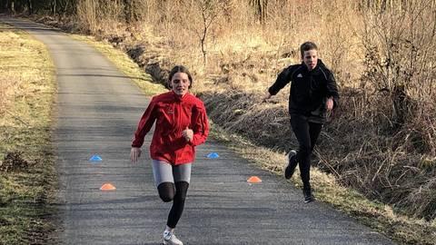Im Herzen der Natur absolvieren Charlotte Pötz und Tim Späth ihr Sprinttraining. Foto: LCM