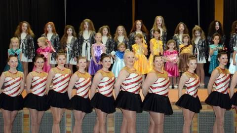 Die Tanzgruppen Des Bad Schwalbacher Carneval Clubs Präsentierten