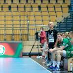 Die HSG Wetzlar um Coach Kai Wandschneider (in schwarz) wird am Wochenende in der heimischen Rittal Arena erstmals überhaupt in einem Ligaspiel ohne Zuschauer auskommen müssen. Foto: Florian Gümbel