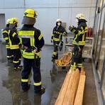 Ihren Corona-bedingt unterbrochenen Übungsbetrieb hat die Nauheimer Feuerwehr wieder aufgenommen. Foto: Feuerwehr