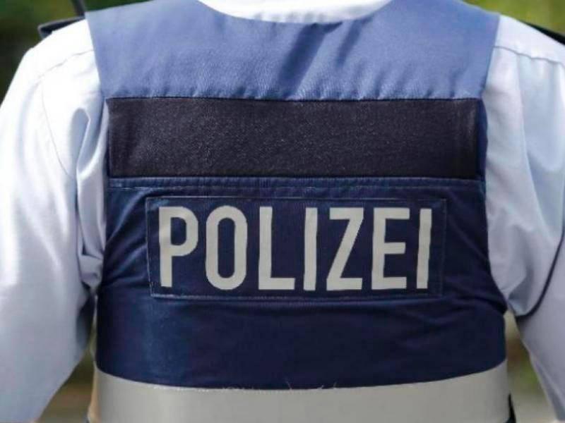 Fußgängerin Entdeckt Verfassungsfeindliches Zeichen Auf Acker In Kirtorf