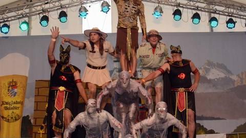 """Die """"Lewwerknedelboys"""" zeigen ihren Tanz """"Fluch der Mumie"""".Foto: wita/Martin Fromme  Foto: wita/Martin Fromme"""