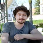 Der 28-jährige Student Marcel Passet setzt sich vielfältig für Ginsheim-Gustavsburg ein. Foto: Ulrich von Mengden