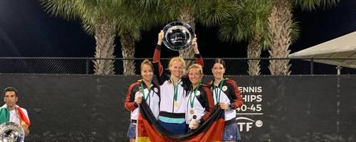 Bei der WM obenauf: Franziska Etzel, Manon Kruse, Nina Stepp und Christine Scherl sichern sich in Miami durch ein 2:1 im Finale gegen die USA den Gewinn der Goldmedaille. Foto: Stepp