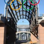Die olympischen Ringe am Rathaus in Hahn. Archivfoto: Wolfgang Kühner