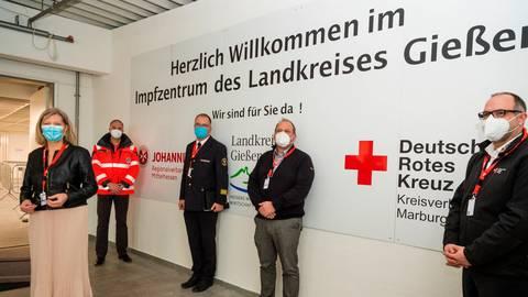 Das Impfzentrum in Heuchelheim ist seit 19. Januar in Betrieb. Der Landkreis hatte es zusammen mit DRK und Johannitern innerhalb von 14 Tagen eingerichtet.  Archivfoto: Friese