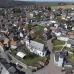 Die Gemeinde Waldsolms, aufgenommen aus der Luft. Foto: dpa