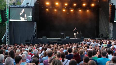 Dicht gedrängte Menschenmassen wie hier beim Gießener Kultursommer 2019 kann es in diesem Jahr auf dem Schiffenberg nicht geben.  Foto: Gauges
