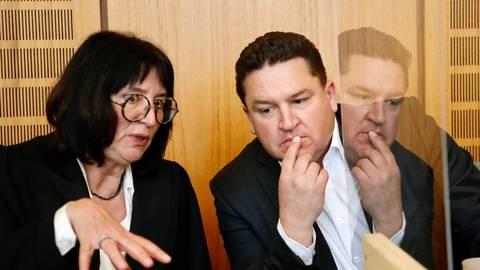 Der SPD-Bundestagsabgeordnete und frühere Oppenheimer Stadtbürgermeister Marcus Held mit seiner Anwältin Ute Bottmann. Foto: Sascha Kopp