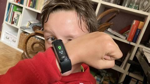 Kilometer zählen per Fitnessuhr: Rufus Grahm aus der 5e macht mit bei der GBS Ausdauer-Challenge. Foto: privat