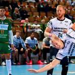 HSG-Kreisläufer Anton Lindskog wirkte gegen Flensburg etwas gehemmt, Coach Kai Wandschneider fordert eine Steigerung vom Schweden. Foto: Björn Reichert