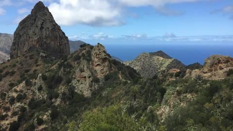 Wandern mit Meerblick auf La Gomera. Foto: Sabine Metzger